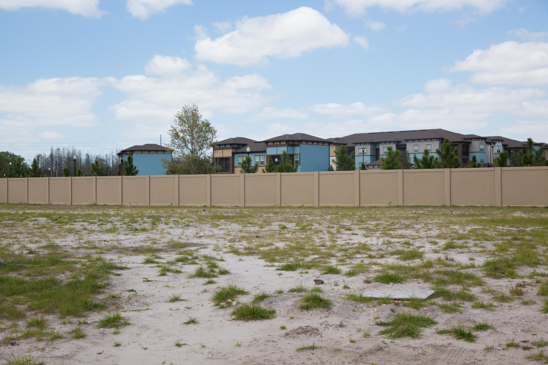 Precast concrete fence by Permacast
